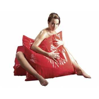 Lakovaný vinylový povlak na polštář Orgy-laken, červený